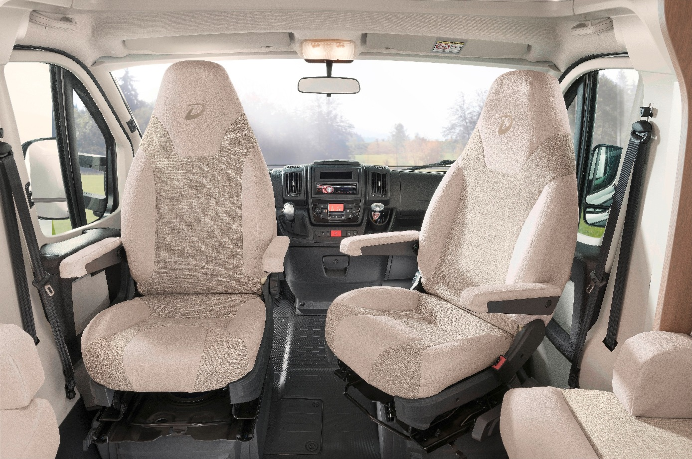 Esprit_T7150EB_Fahrersitz_VirginiaEiche_Goa